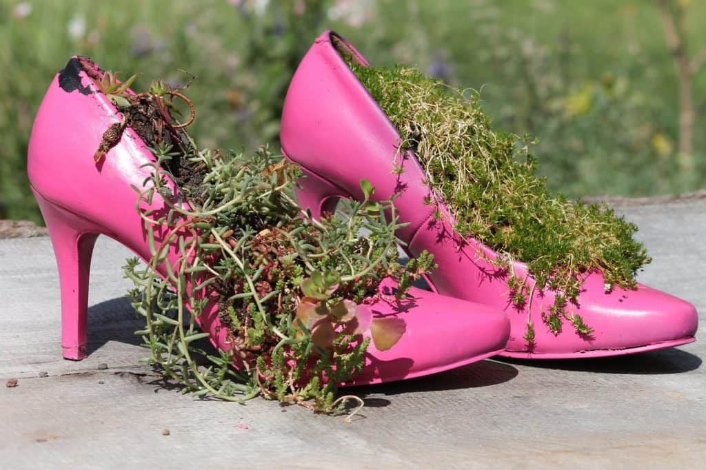 How To Choose An Ideal Pair Of Garden Shoes